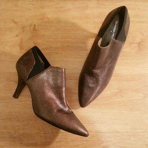 EUC Size 9.5 Donald J. Pliner Copper Metallic Heel